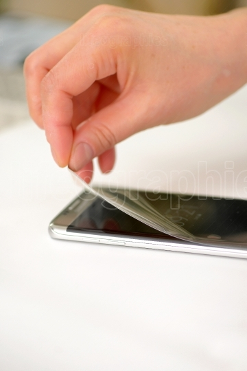 Applying screen protector