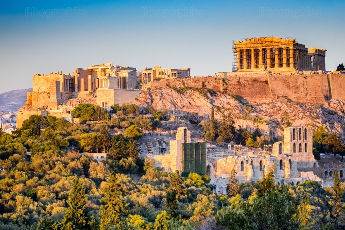 a look at the greek temple parthenon