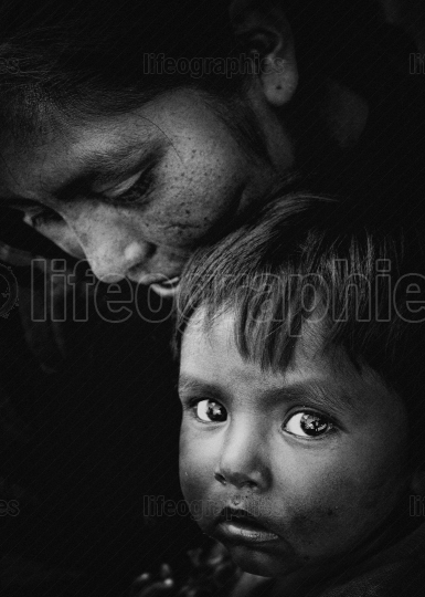 Black and white portrait of a mother and her child