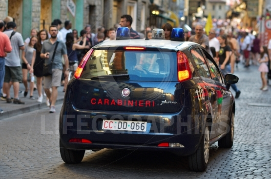 Carabinieri's car is fiat grendepunto
