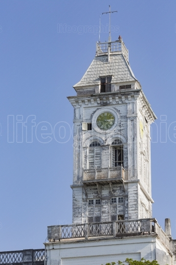 Clock on bell tower of the Stone Town palace museum (house of wo