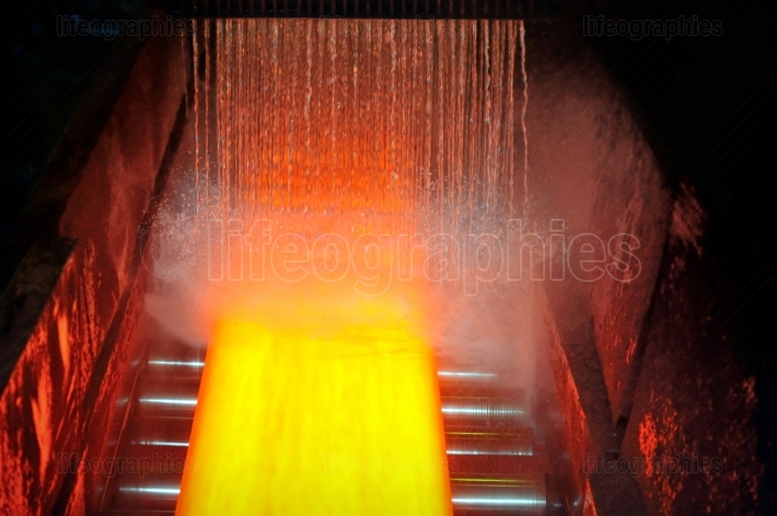 Cooling hot steel plate