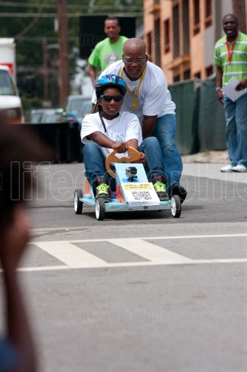 Dad Pushes Daughter In Atlanta Soap Box Derby Race