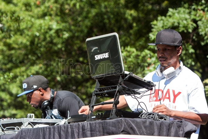 Deejays Use Electronics To Enhance Audio At Hip Hop Festival