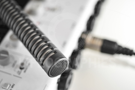 Details of a high quality condenser microphone