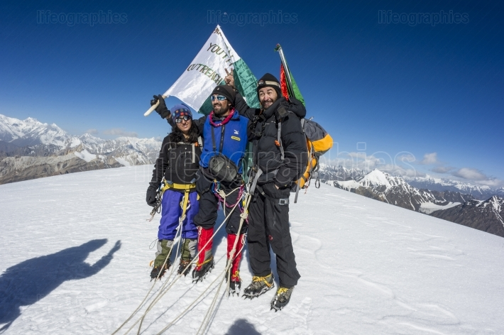 Expedition team on top of Chashkin Sar peak 6.400m