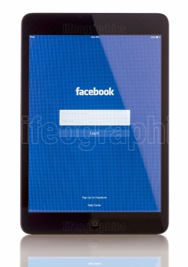 Facebook on iPad Mini