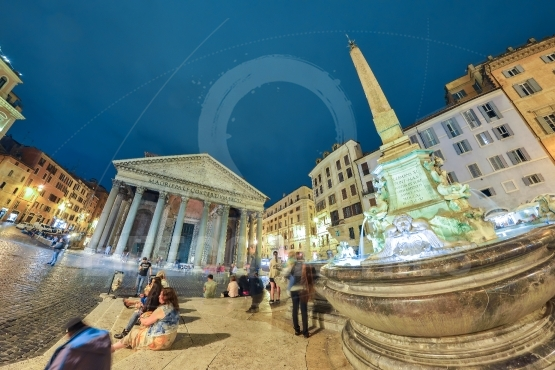 Fontana del pantheon in rome, italy