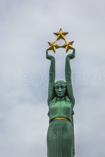 Freedom monument in riga, latvia, national symbol of independenc