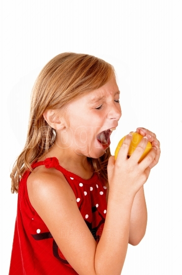 Girl like to eat an apple