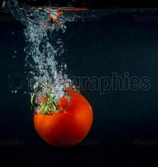 High speed photography tomato splash in water