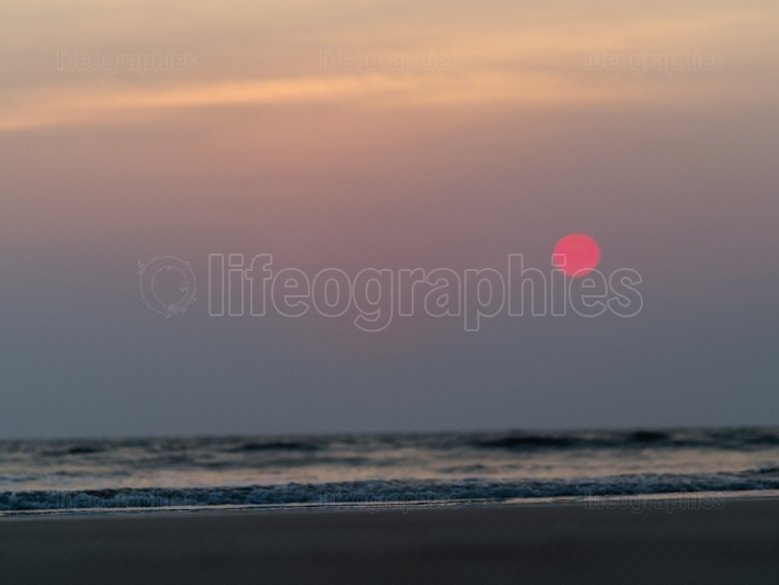 Horizontal vivid ocean toy tidal waves sunset bokeh background b