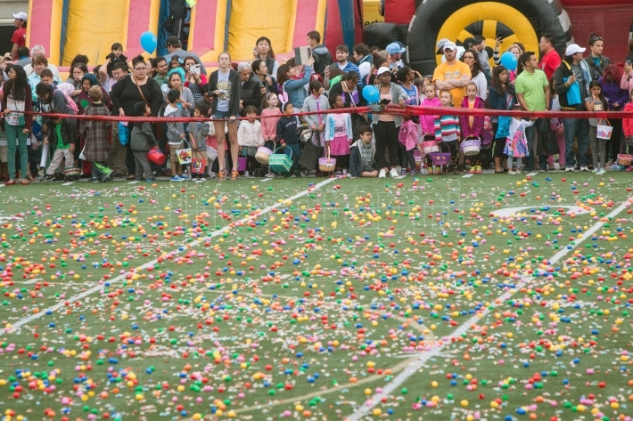 Hundreds eagerly await start of massive community easter egg hun