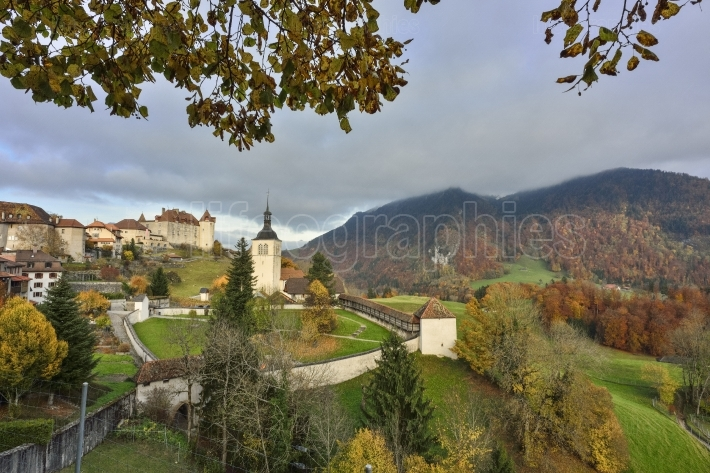 Large view of gruyeres village and gruyeres castle