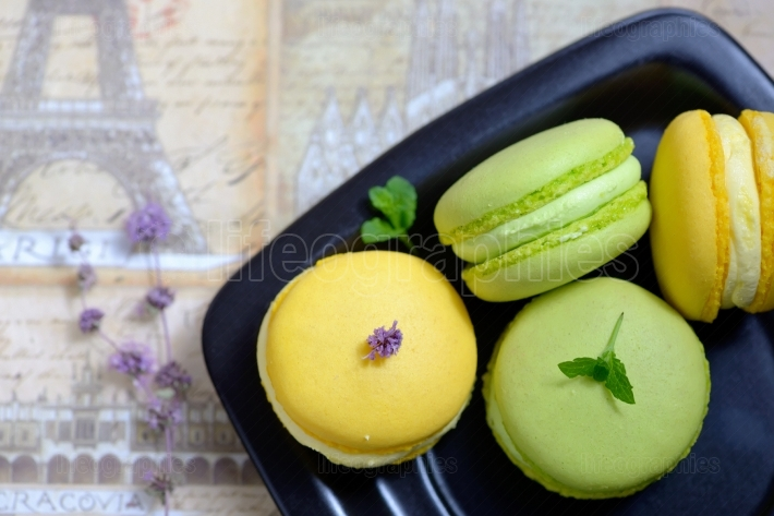 Lemon and mint flavor french macarons
