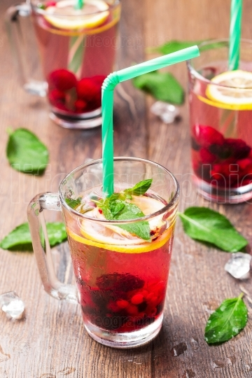 Lemonade of berries with lemon and peppermint