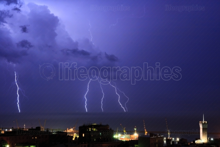 Lightnings in Genova