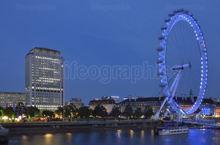 London Eye with flowing eye