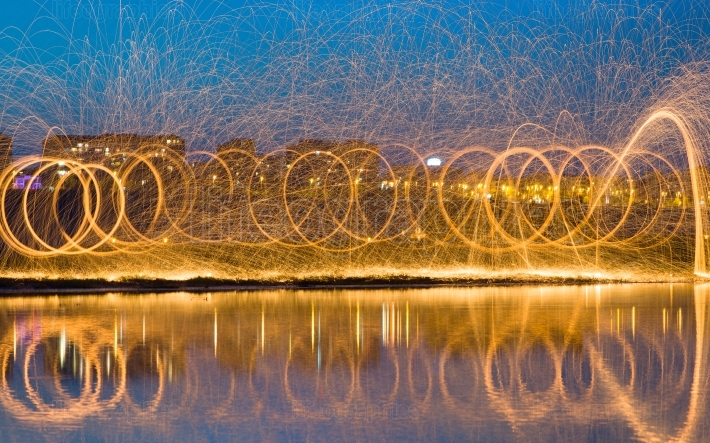 Long Exposure Photography using Steel Wool Burning
