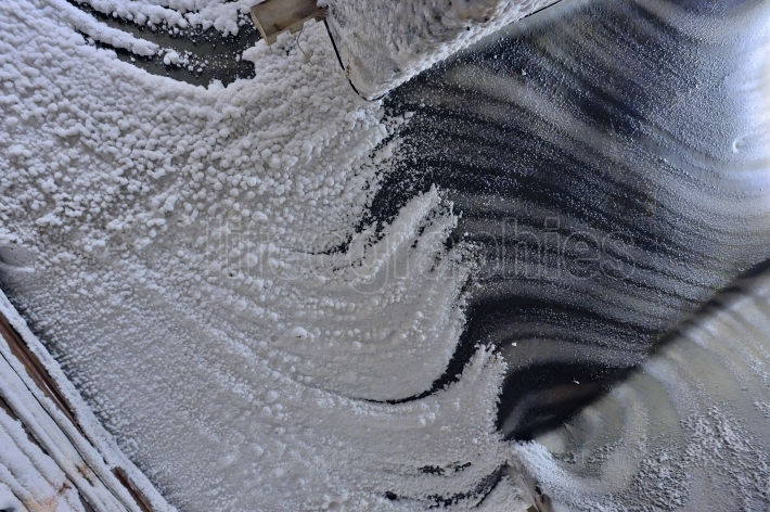 Macro wall salt  inside of mine
