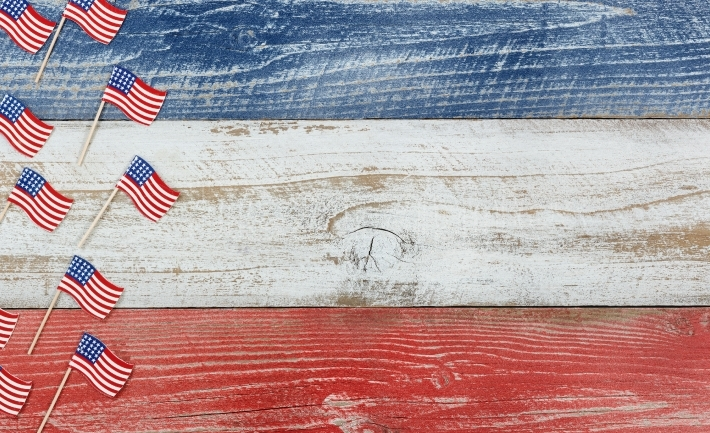 Mini USA flags on rustic wooden boards painted in national color
