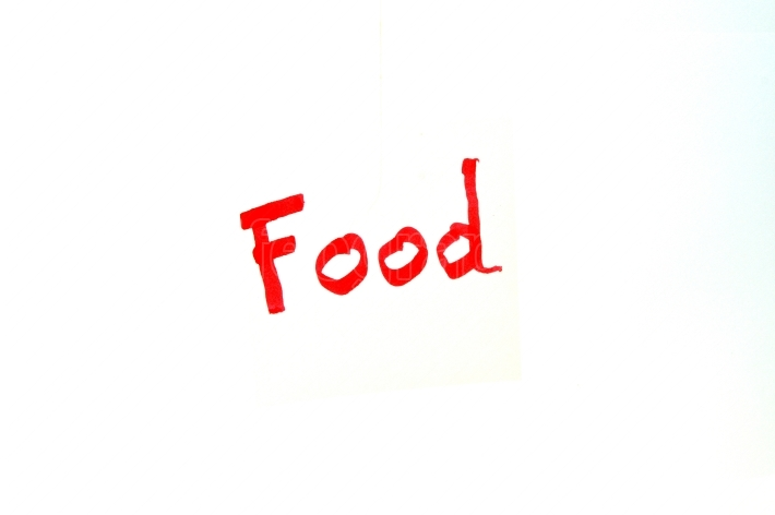 Mot Food written in red letters