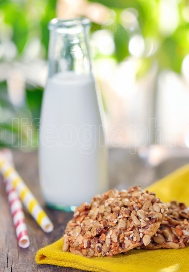 Muesli cookies and milk