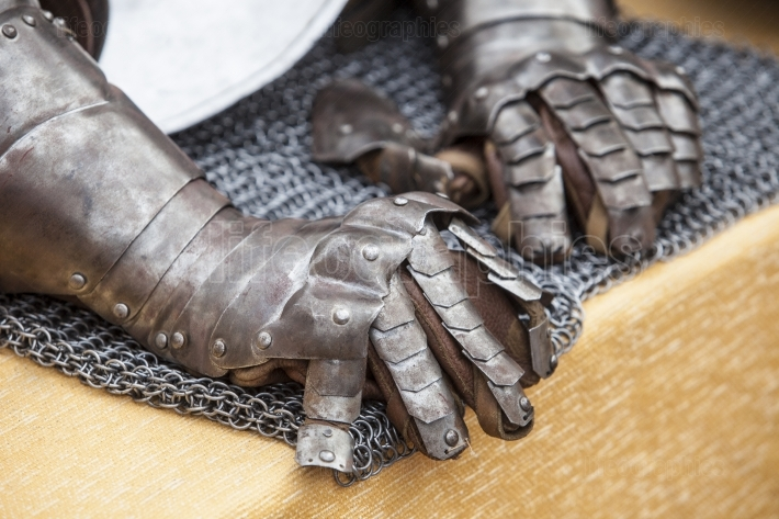 Pair of gauntlets for an armour medieval