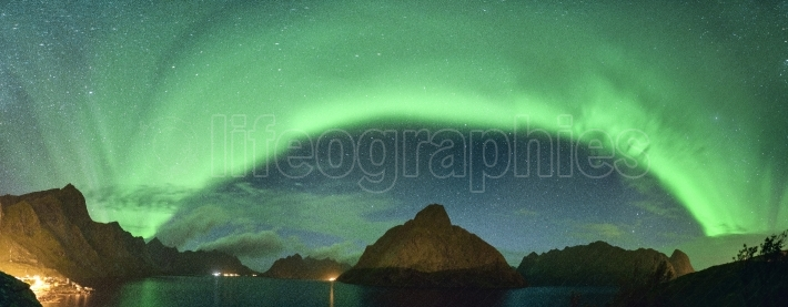 Panoramic view of northern lights aurora borealis from lofoten, norway