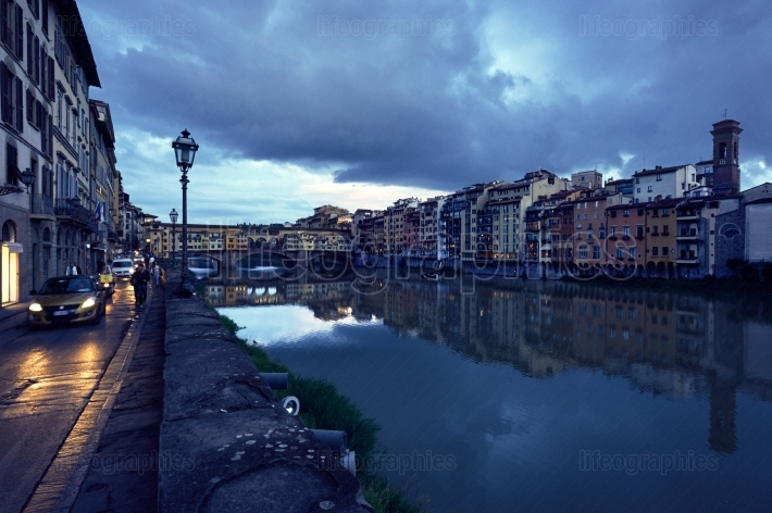 Ponte Vecchio bridge over the r