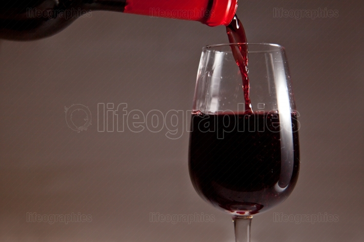 Pouring spanish wine