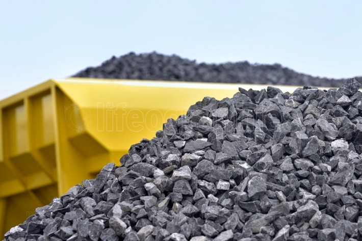 Raw materials crushed stones