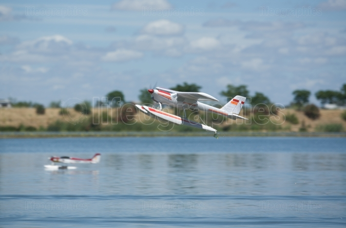 RC Hydroplane taking off