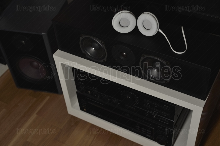 Several speakers from a 7.1 thx hi-fi sound system