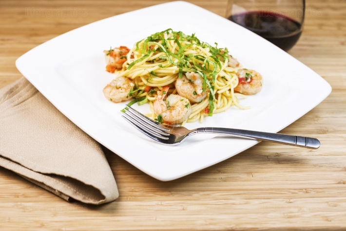 Shrimp Pasta Dish with Wine