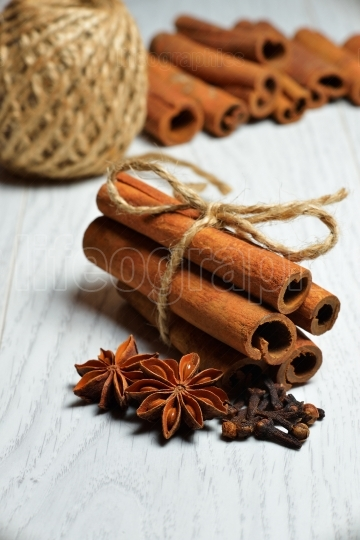 Spices, cinnamon, cloves and anise