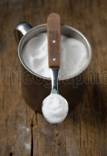 Spoonful of sodium bicarbonate