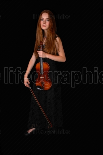 Standing woman with violin