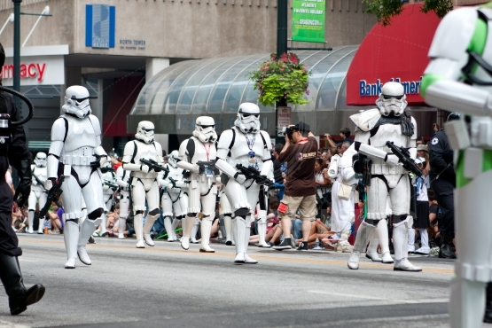 Star Wars Storm Troopers Walk In Atlanta Dragon Con Parade