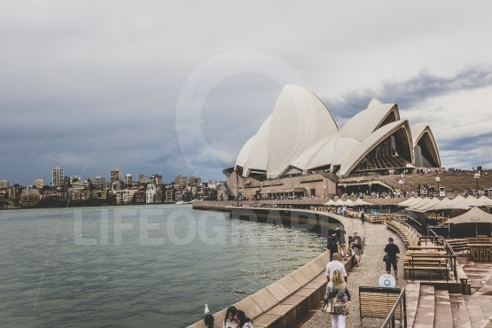 SYDNEY   OCTOBER 25  Sydney Opera House in cloudy day view on Oc