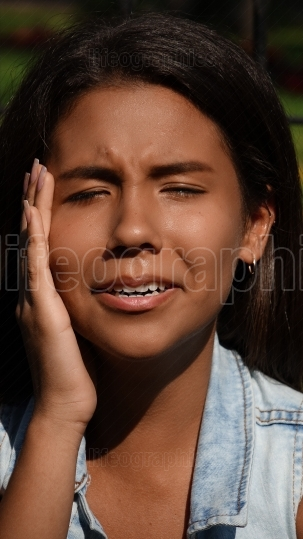 Teen Girl Toothache