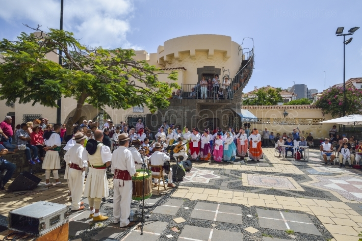 Traditional Canary musicians in Las Palmas
