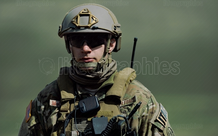 US military with semiautomatic rifle