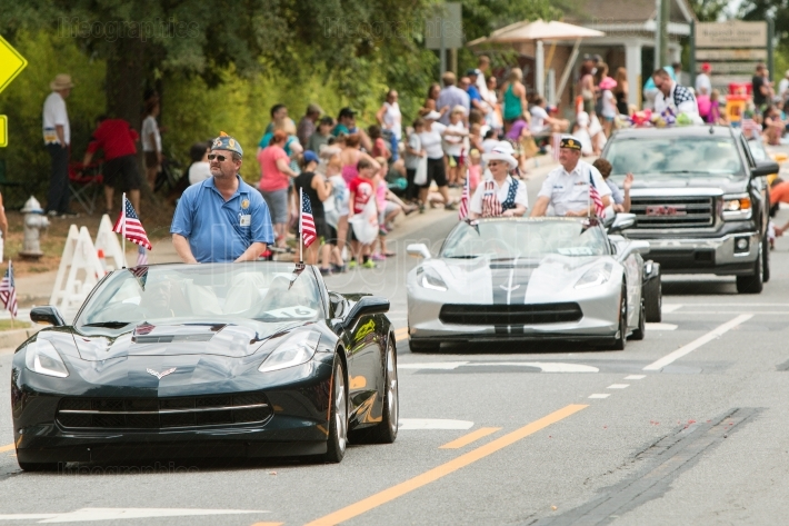 Veterans Ride In Convertibles In Old Soldiers Day Parade