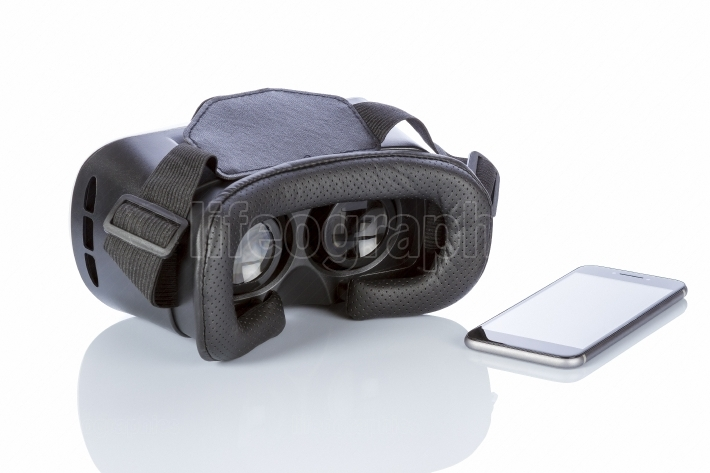 VR Glasses and smartphone with clipping path for screen on white