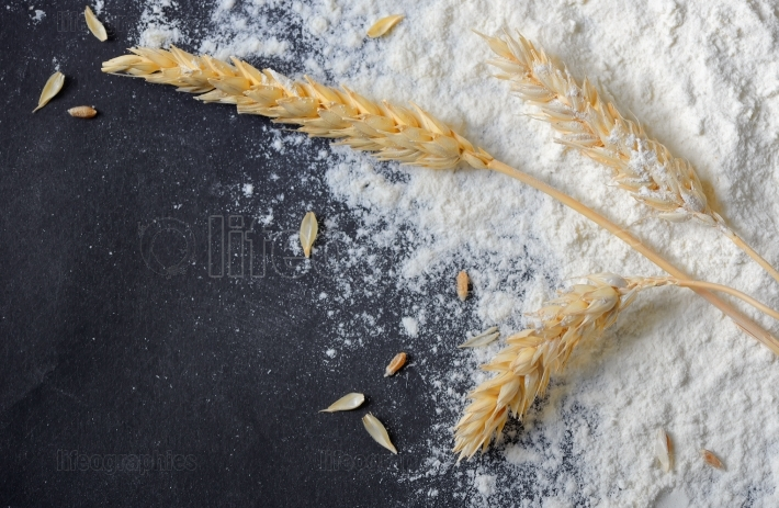 Whole flour and wheat ears